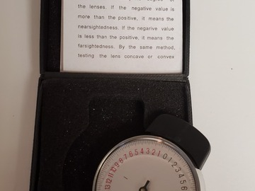Selling with online payment: Lens clock with case