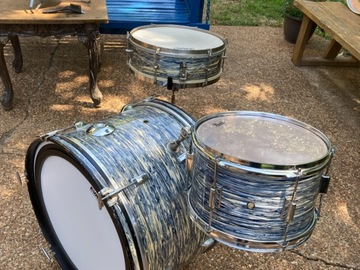 Selling with online payment: Kent 3 pc drum set, unique oyster blue swirl finish
