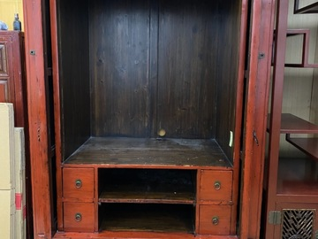 Selling without online payment: Antique TV cabinet / can be wardrobe too