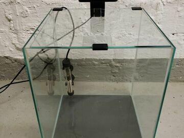 Myydään: Aquel 30L nano tank + light + heater