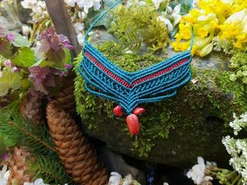 Vente au détail: Collier macramé et pierre de corail rouge