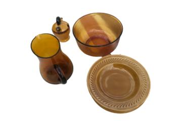 Vente: Coffret de vaisselle vintage - porcelaine de Gien