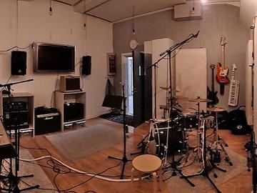 Renting out: Atonic Studios - treenikämppä ja työtila/creative space