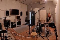 Vuokrataan: Atonic Studios - treenikämppä ja työtila/creative space