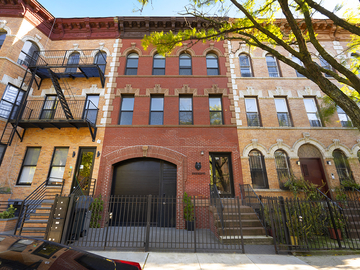Daily Rentals: Brooklyn NY, Driveway Parking In Bushwick near many attractions