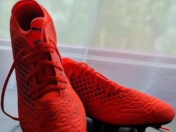 Selling: Puma Football Boots