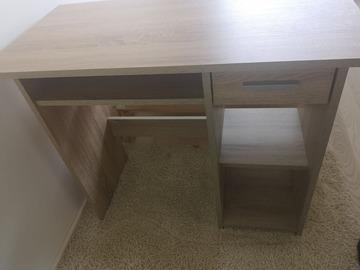 Myydään: Wooden desk in an excellent shape