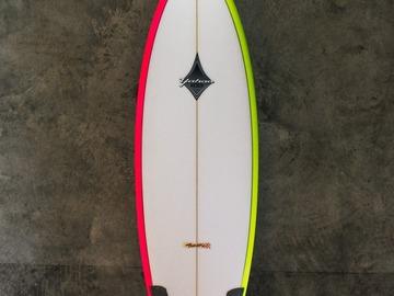 "Daily Rate: Yahoo Surfboards - 5'10"" Twin Fun Model"