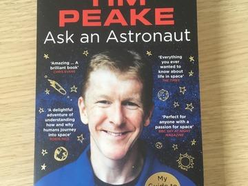 Myydään: Ask an Astronaut Book (English)