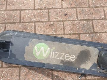 À vendre: Trottinette électrique wiizzee ws5 mauvais etat