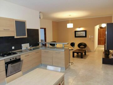 Rooms for rent: Msida,University, Yacht harbour, Hospital and sea promenade