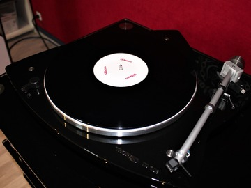 Vente: Platine vinyle Thorens TD 209 noir laqué
