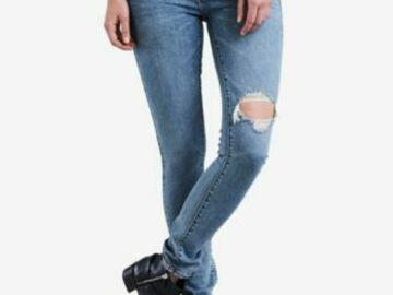 Liquidation/Wholesale Lot: 40pc New Women's trendy Jean lot