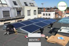 .: Appartementsgebouw met zonnepanelen | door Bentro