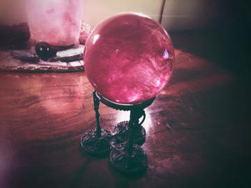 Selling: Crystal Ball Psychic Reading: Fortune Telling. Future Predictions