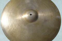 """Selling with online payment: 1950s ZILDJIAN 22"""" block letter ride cymbal. 2590 grams"""