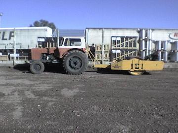 En alquiler: Alq.tractor Fiat 800 c/vibrocomp.liso dynapac y p.de cabra