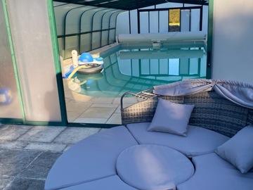NOS JARDINS A LOUER: Jardin spacieux avec piscine