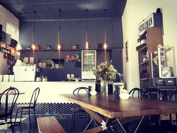 """Walk-in: """"Love working from this neighbourhood Richmond cafe"""""""