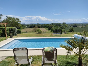 NOS JARDINS A LOUER: Jardin de 1500m2 avec piscine et terrasse à Clermont-Ferrand