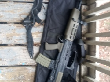 Selling: L85 A2 airsoft and a couple accessories