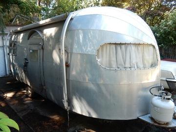 For Sale: 1950 Silver Streak Clipper
