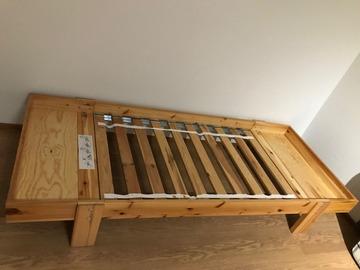 Myydään: Ikea Vikare Bed Frame
