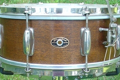Selling with online payment: SOLD 1950s SLINGERLAND 8 lug Radio King Student model snare All o