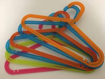 Myydään: Coat hangers for children
