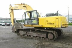 Renting out equipment (w/o operator): Komatsu excavator