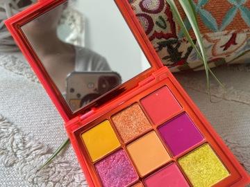 Venta: Neon paleta de sombras Huda Beauty