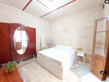 Rooms for rent: Private room in Sliema, shortlet,daily or weekly. Maximum 1 month