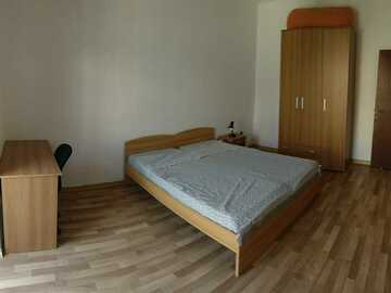Rooms for rent: Large room for rent - MOSTA