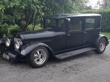 Hääpalvelut: Hääautoksi vm.1926 Hudson limusiini