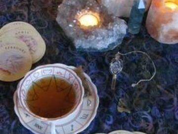 Selling: Tea Cup Leaf Reading
