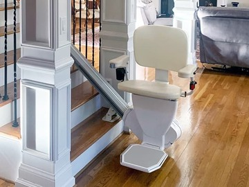 SALE: Self-Installable Rave2 Straight Stairlift   Shipped Across Canada