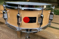 Selling with online payment: 90s vintage Legend 5x14 maple shell w clear lacquer, excellent