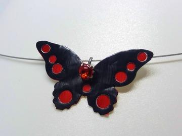 Vente au détail: Papillon bicolor rouge et noir