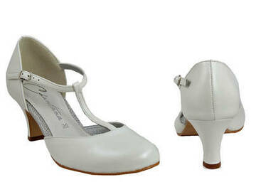 Ilmoitus: Matalakorkoiset kengät