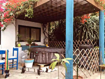 Rooms for rent: Santorini theme bungalow in the heart of st julians