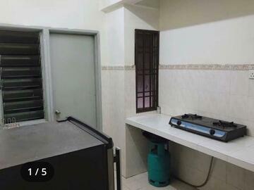 For rent: Medium Room For Rent at Pelangi Damansara.