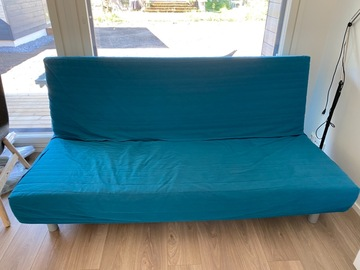 Selling: 3-seat sofa-bed