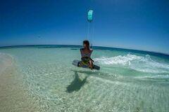 Tilbyder: Lær Kitesurfing eller leie kitesurf utstyr