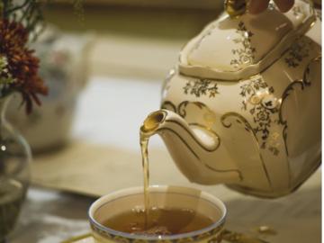 Selling: Tea Leaf Reading - AVRIL