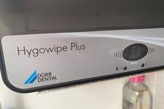 Gebruikte apparatuur: Hygowipe Plus DÜRR DENTAL Muur tissue houder
