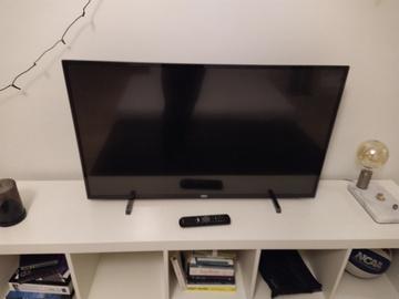 Selling: Phillips smart TV