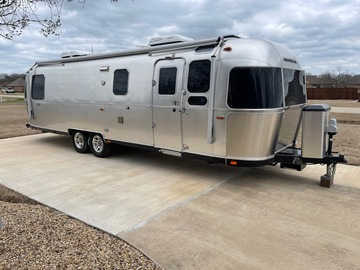 For Sale: 2017 30' Airstream Classic