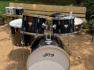 Selling with online payment: Remo PTS five piece set - black - good condition