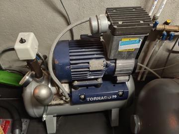 Gebruikte apparatuur: Durr tornado70  compressor