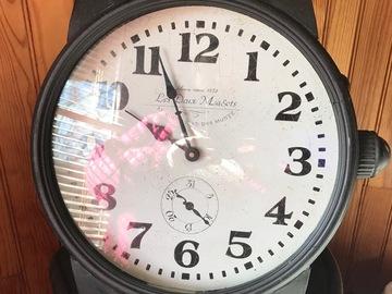 Vente: Pendule en forme de montre